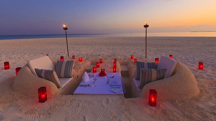 Sand-Castle-Dining-Velassaru-Resort