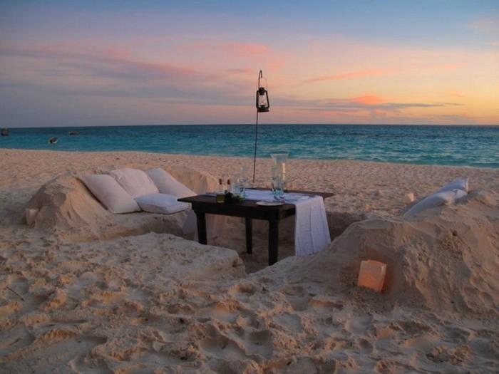 dining on sand