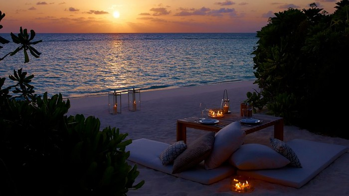 romantic dinner beach