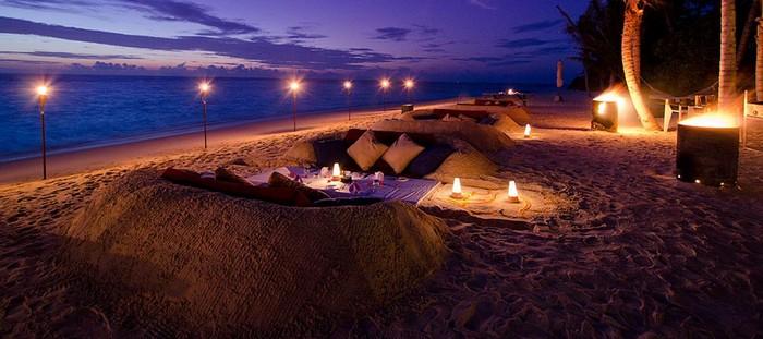 sand dinner