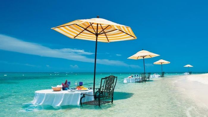 sandals-whitehouse-water-dining