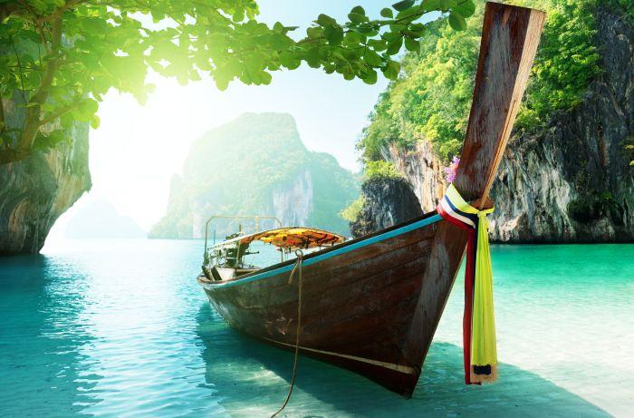 landscape-boat-island-Ha-Long-bay-ocean