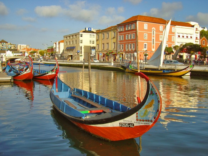 Hidden Treasure-Town in Europe Built on Canals: Aveiro , The Venice of ...