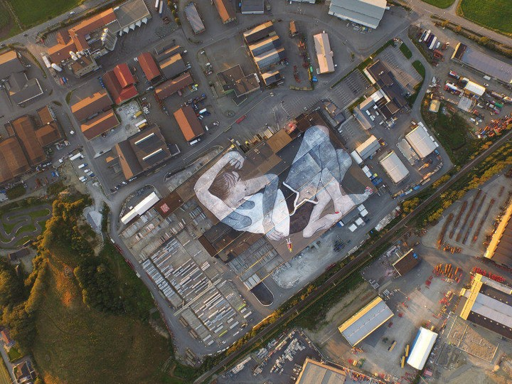 lilith and olaf, world largest mural, norway (8)