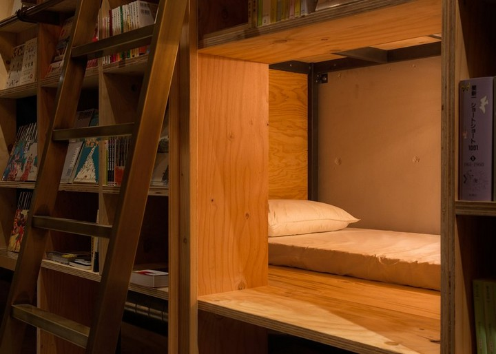 book and bed hostel, tokyo (6)