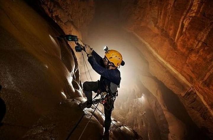 son doong cave, vietnam (6)