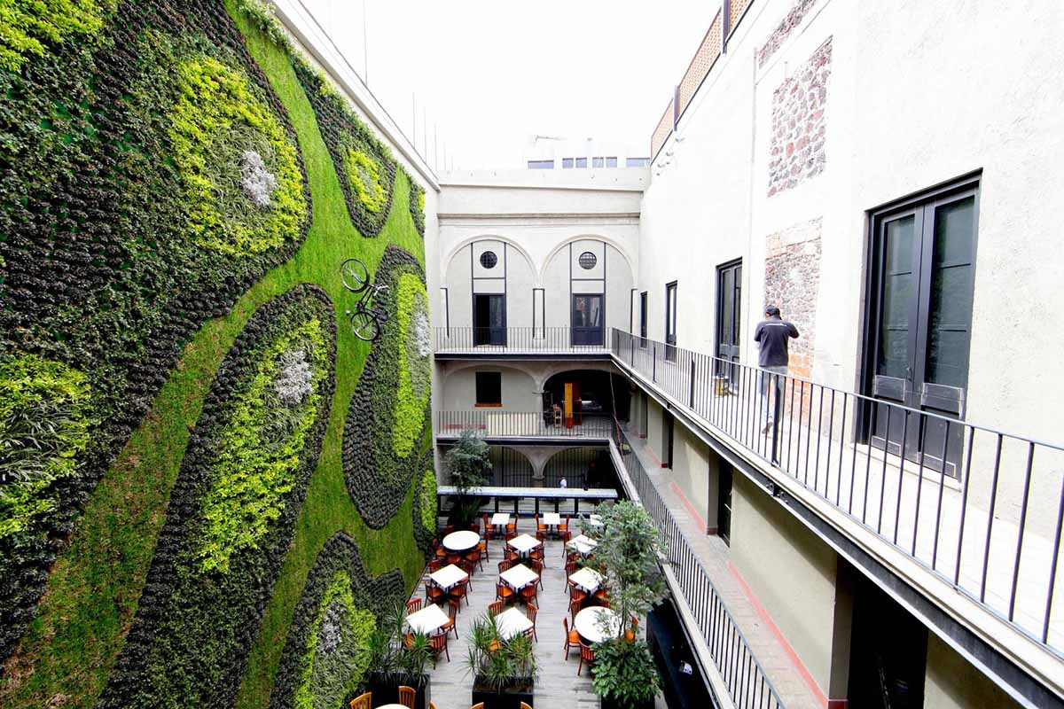 giant vertical garden adds life to mexico city hotel tourism on the edge. Black Bedroom Furniture Sets. Home Design Ideas
