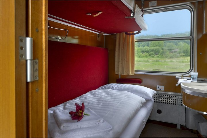 train hotel carpatia express (6)
