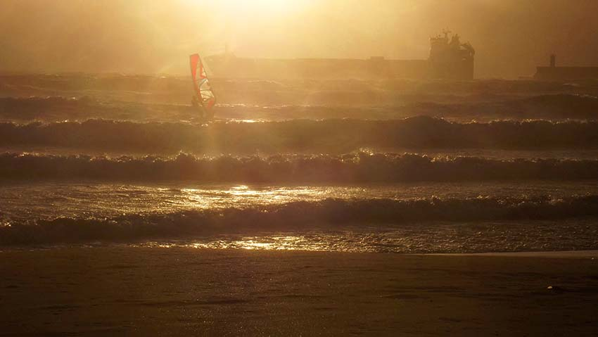 Porto surfers Matosinhos