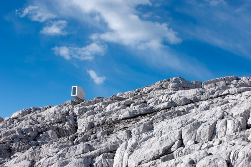 modern alpine shelter (1)