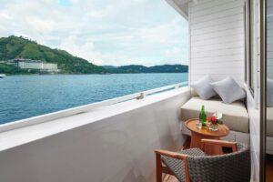 liveaboard cruise