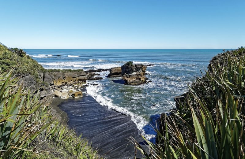 Punakaiki beach New Zealand