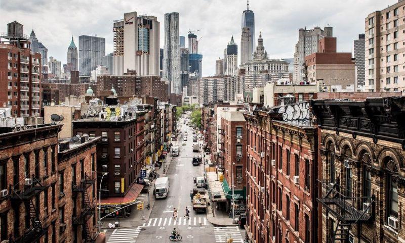 New York Manhattan contrasts